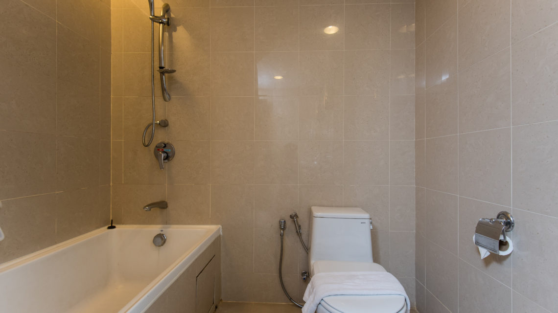 """<div class=""""at-above-post addthis_tool"""" data-url=""""http://www.resortsuites.com.my/cn/room/executive-king-studio-with-lagoon-view/bathtub-with-shower-2-2/""""></div>Bathroom 2<!-- AddThis Advanced Settings above via filter on get_the_excerpt --><!-- AddThis Advanced Settings below via filter on get_the_excerpt --><!-- AddThis Advanced Settings generic via filter on get_the_excerpt --><!-- AddThis Share Buttons above via filter on get_the_excerpt --><!-- AddThis Share Buttons below via filter on get_the_excerpt --><div class=""""at-below-post addthis_tool"""" data-url=""""http://www.resortsuites.com.my/cn/room/executive-king-studio-with-lagoon-view/bathtub-with-shower-2-2/""""></div><!-- AddThis Share Buttons generic via filter on get_the_excerpt -->"""